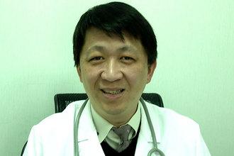簡志訓醫師